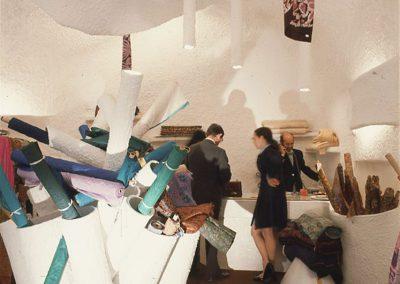 1972 – Magasin de soieries. Lausanne. Suisse.
