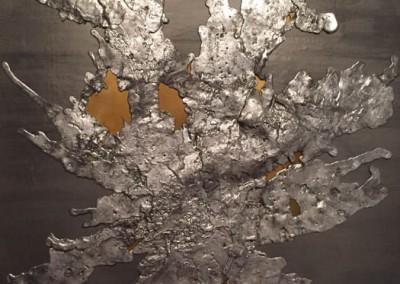 Plomb laminé, plomb coulé et bronze, détail de porte