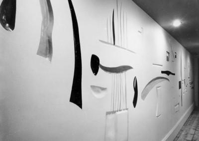 1956 – Mur sculpture rehaussé de céramique. Lyon. France.
