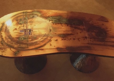 1968 – Table basse sculpture en cuivre patiné