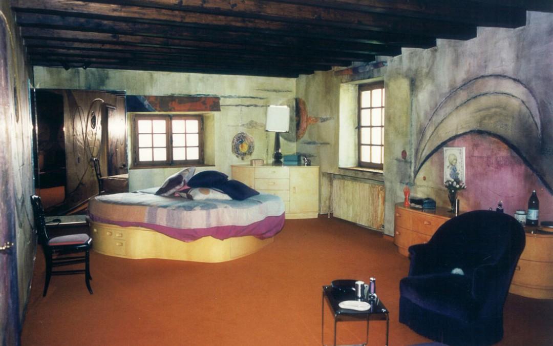 1974 – Peinture, mobilier dans une ancienne ferme. Coponex. France.